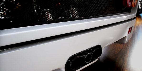 ferrari-f40-white-detail-rear-triple-exhaust