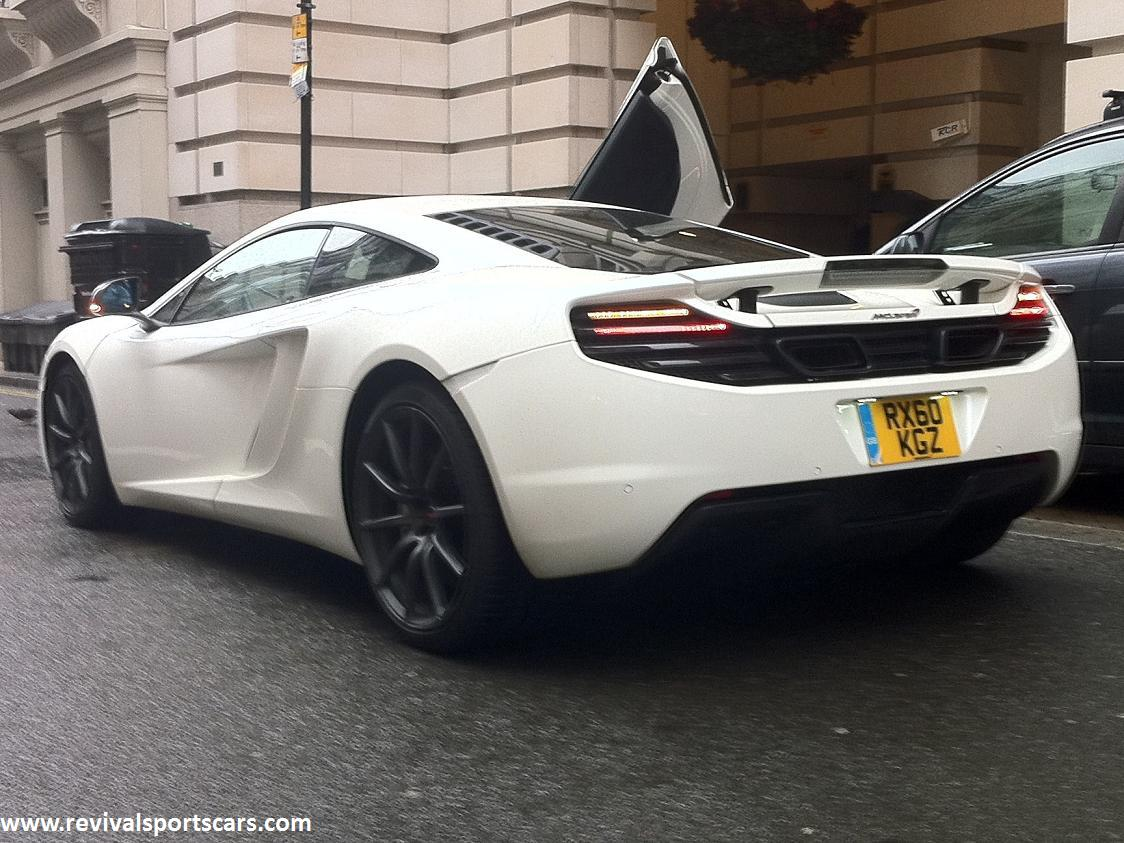 mclaren-mp4-12c-white-ns-rear-indicator