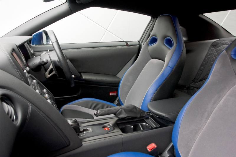 nissan-gtr-track-pack-edition-2012-interior-detail