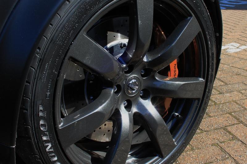 nissan-juke-r-2012-gtr-wheel-brembo