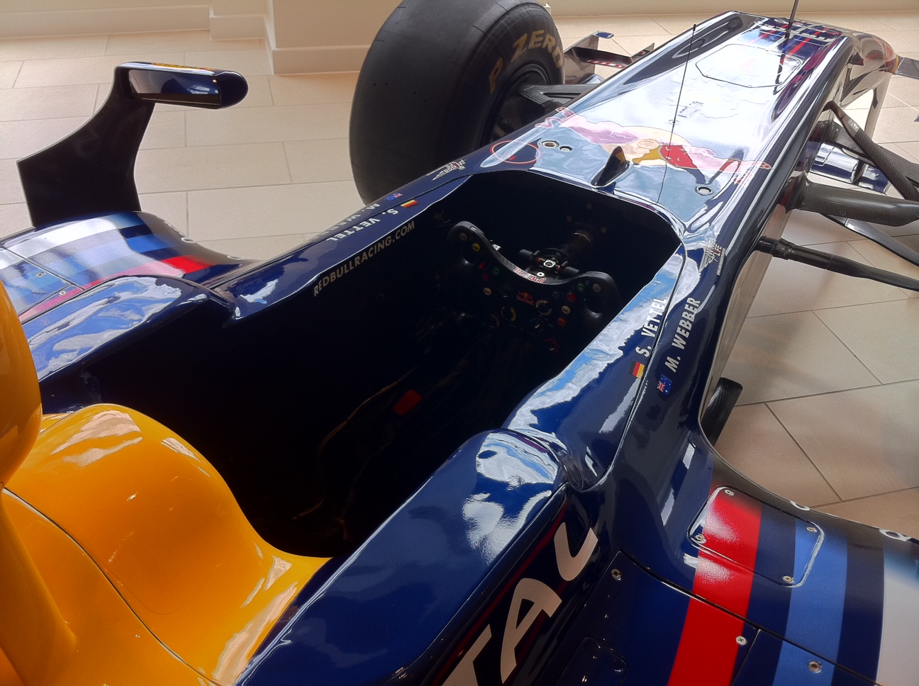 vettel-2010-f1-car-rb6-in-mayfair-london-os-cockpit