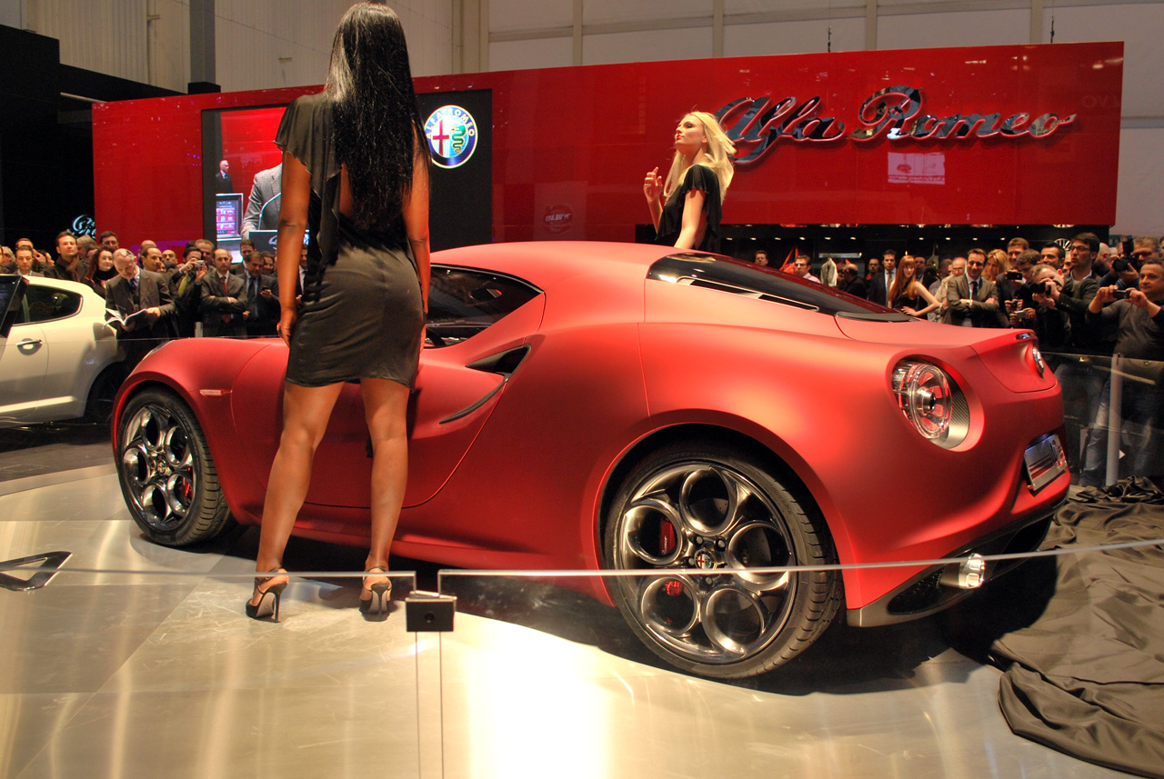 Alfa Romeo 4C Carbon Red Rear
