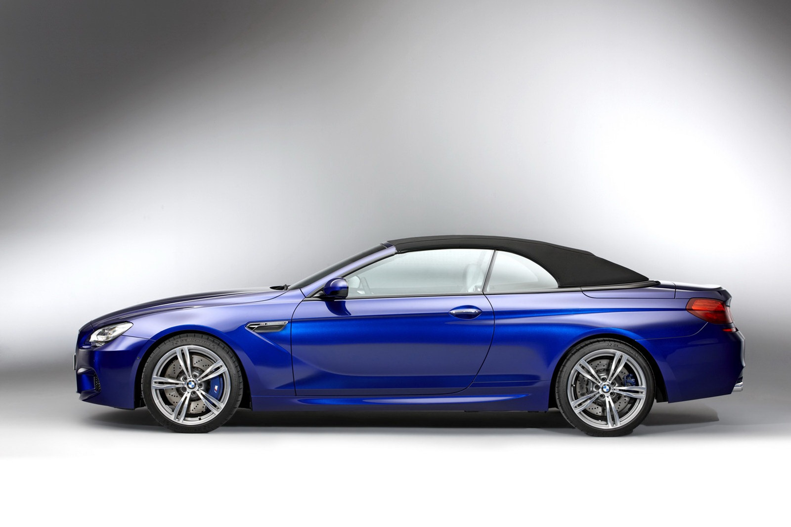 BMW M6 F12 Convertible 2012 side with black hood roof up