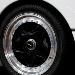 Ferrari F40 White detail front wheel
