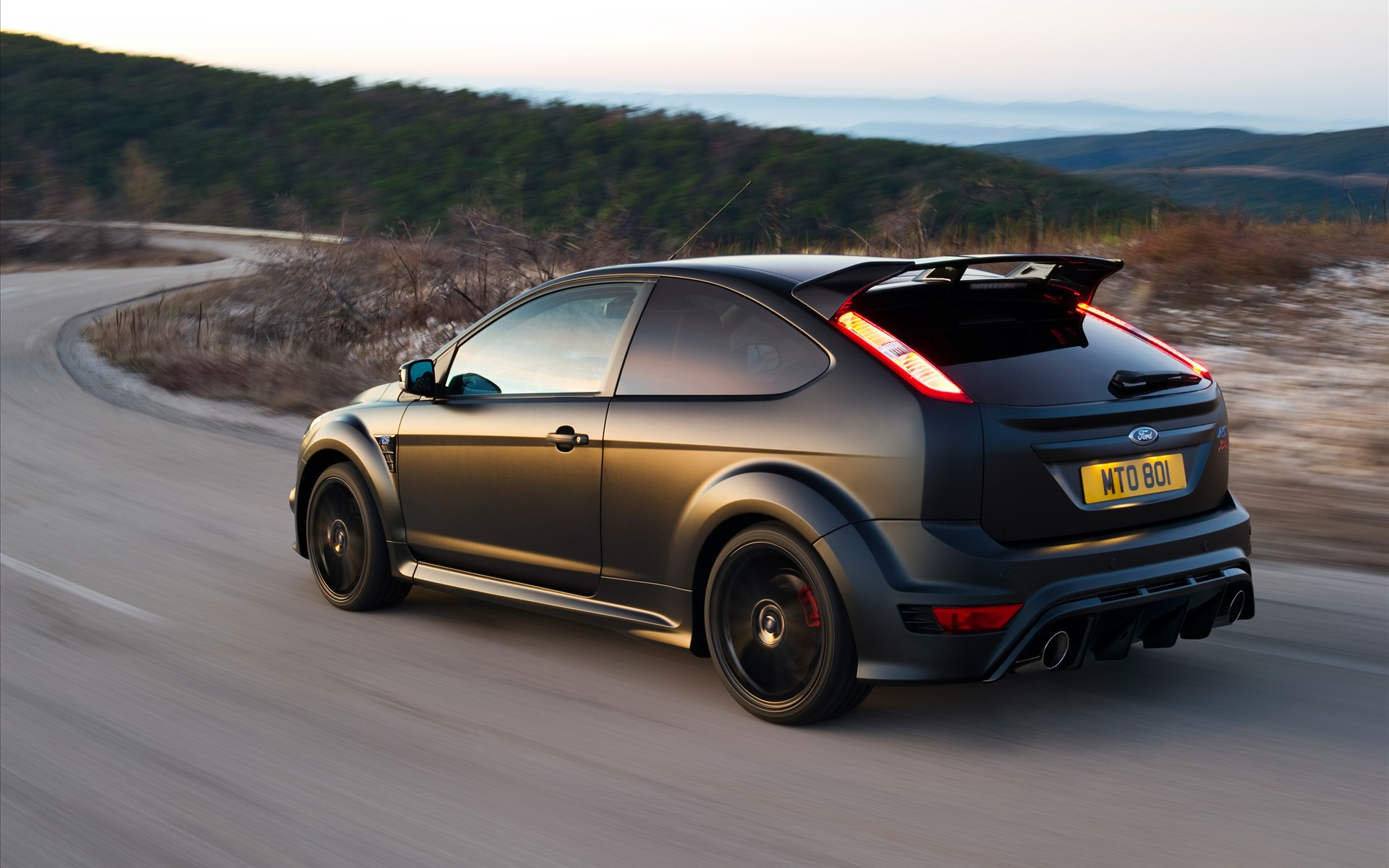 Ford-Focus-RS500-2011-widescreen-06