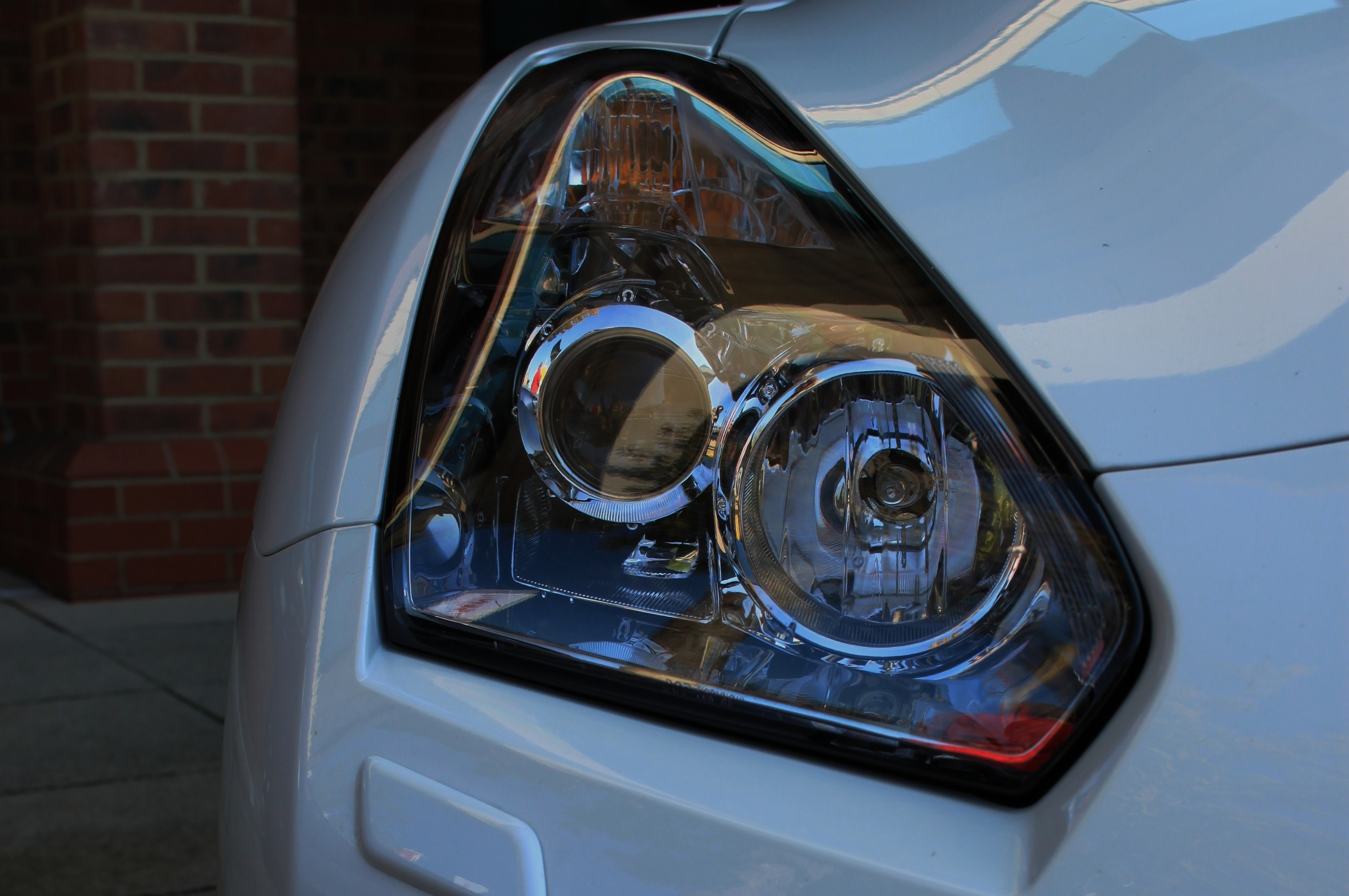 Nissan GTR 2012 R35 Track Pack Edition front light xenon