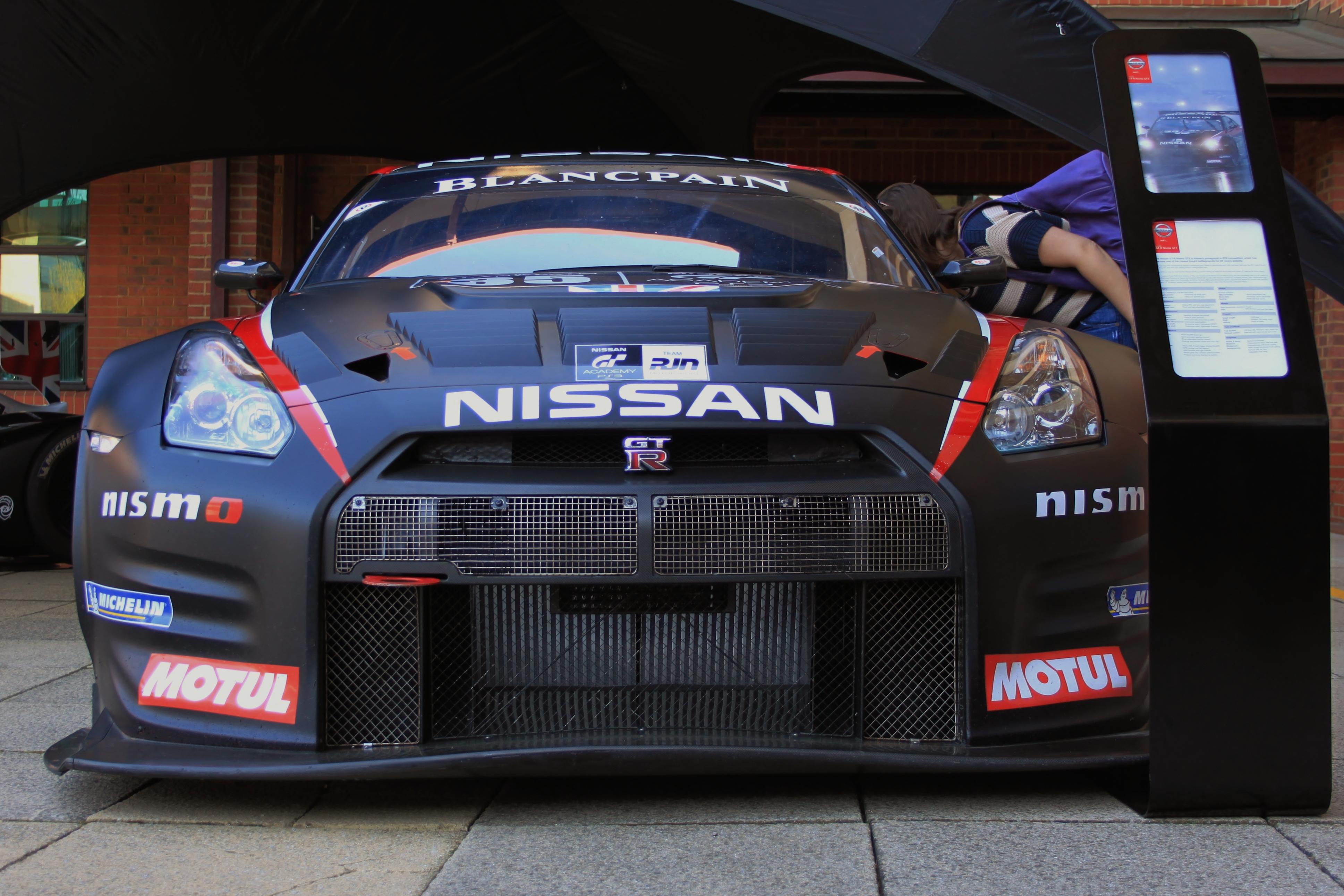 Nissan GTR GT3 2012 Front low