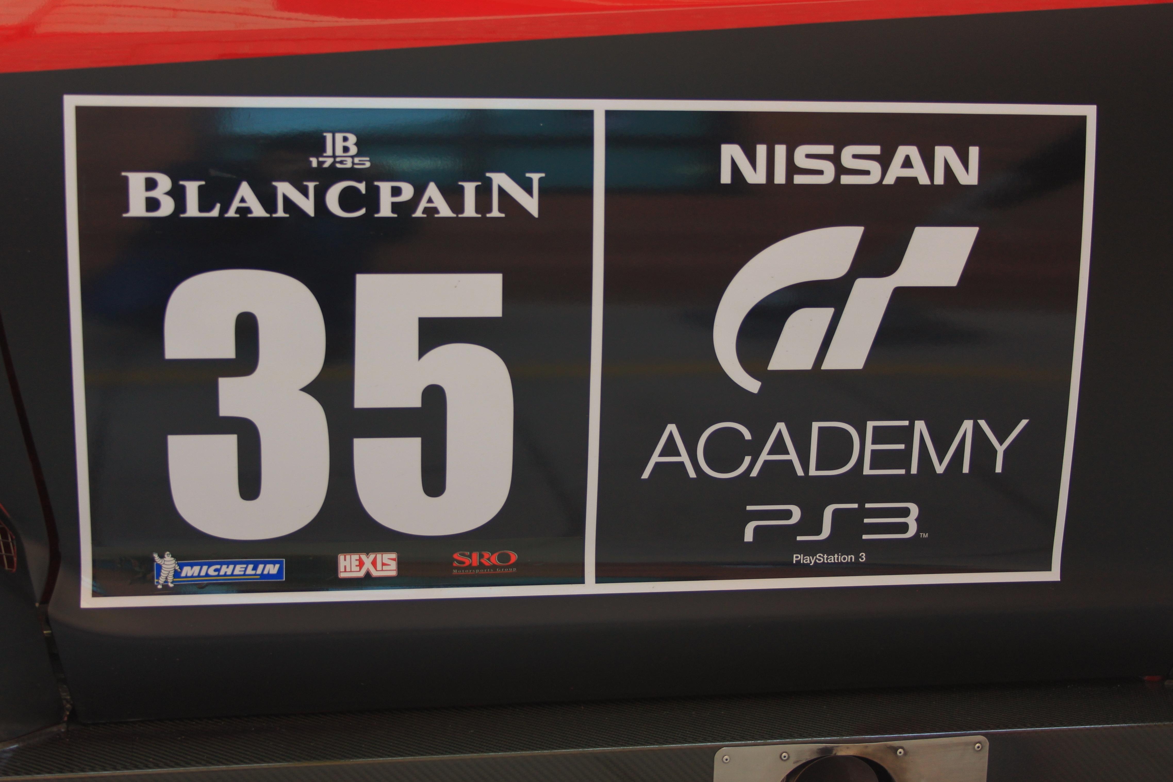 Nissan GTR GT3 2012 side numbers