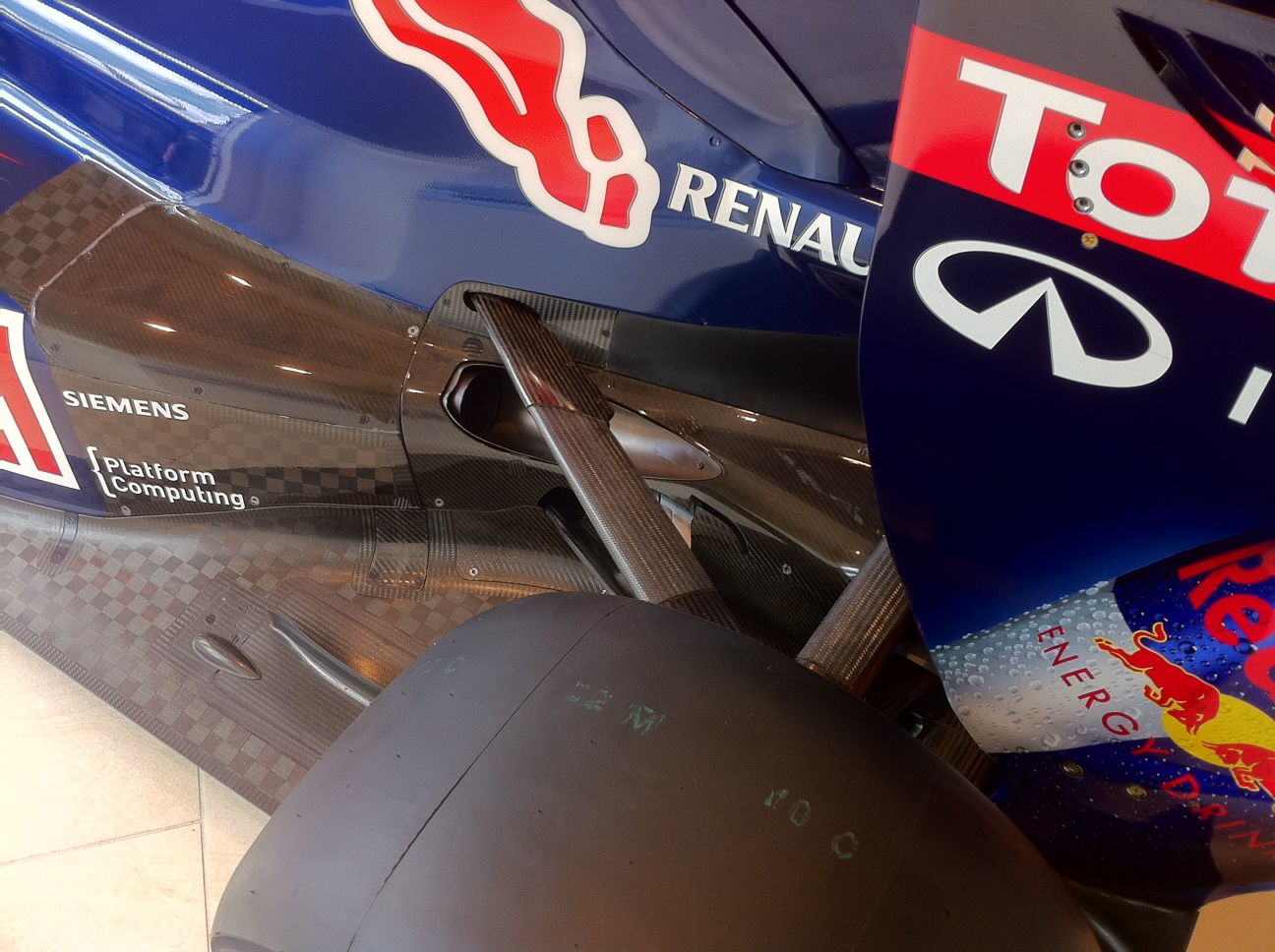 Vettel 2010 F1 Car RB6 in Mayfair London - rear exhaust diffuser