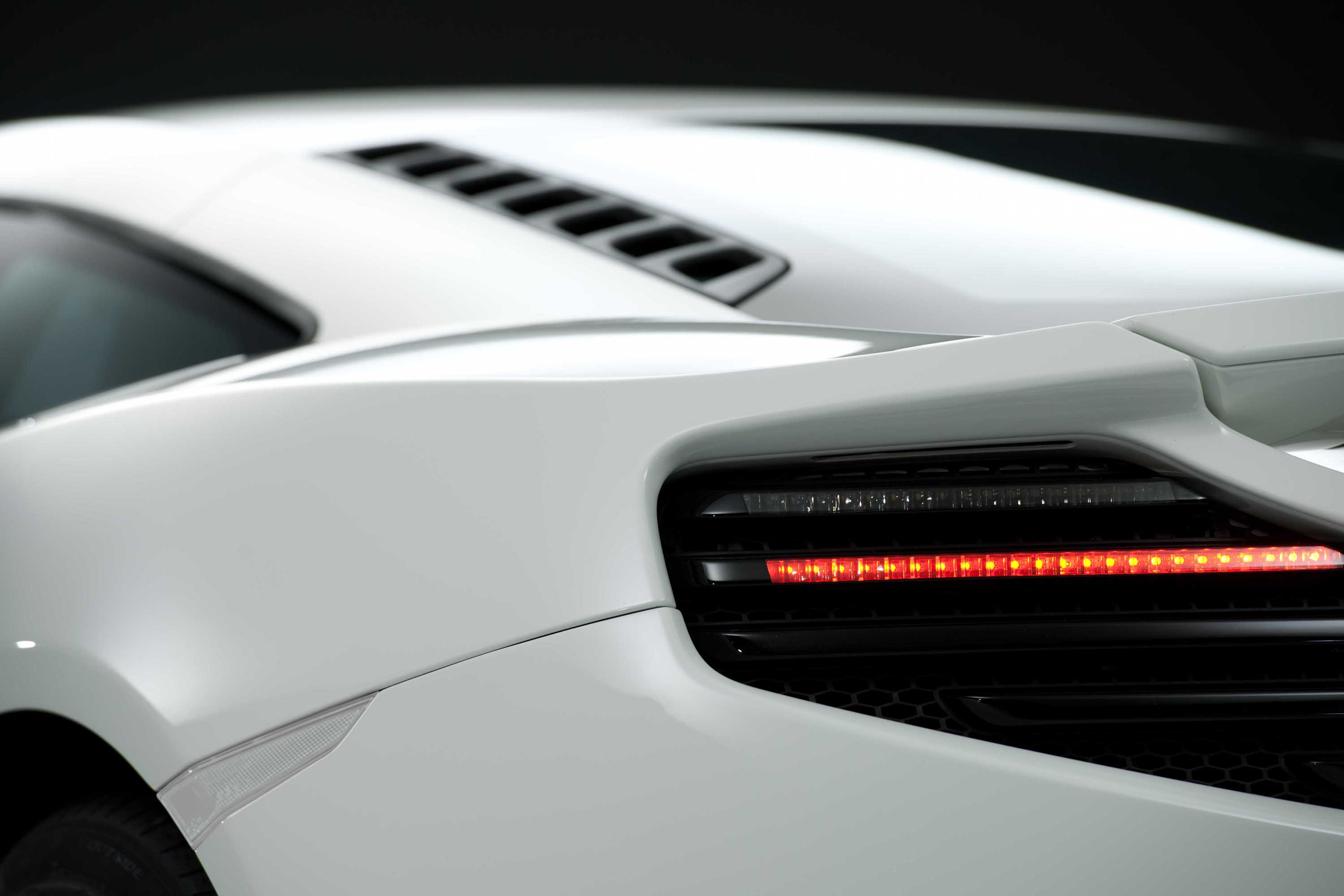 McLaren MP4-12C 2012 white rear light detail