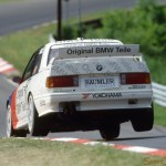 BMW M3 EVO Touring Car jumping (900x661)