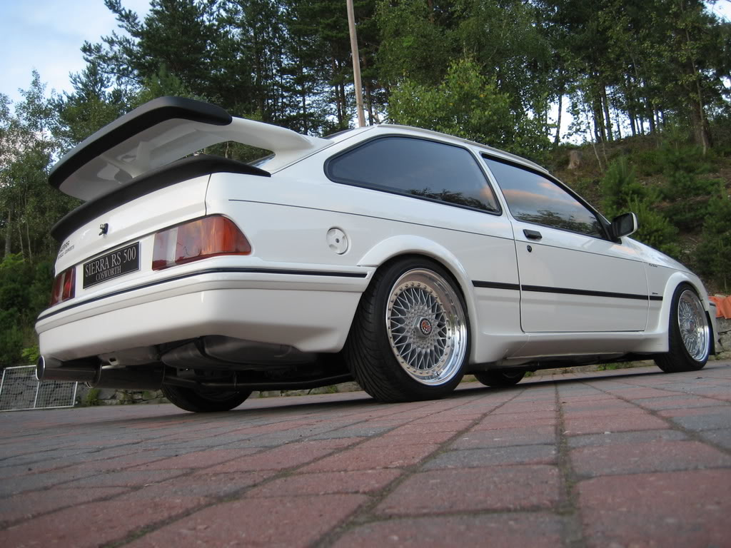 ford sierra rs500 cosworth white immaculate low rear tail. Black Bedroom Furniture Sets. Home Design Ideas