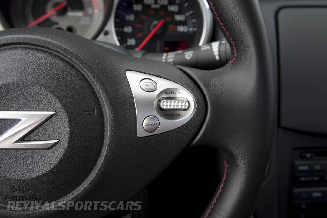 Nissan 370Z Nismo UK European Edition interior new steering wheel red stripe