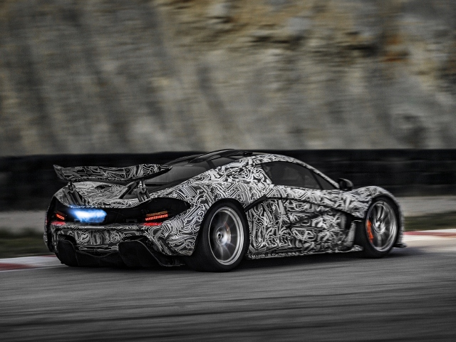 The next chapter – McLaren P1 test on track