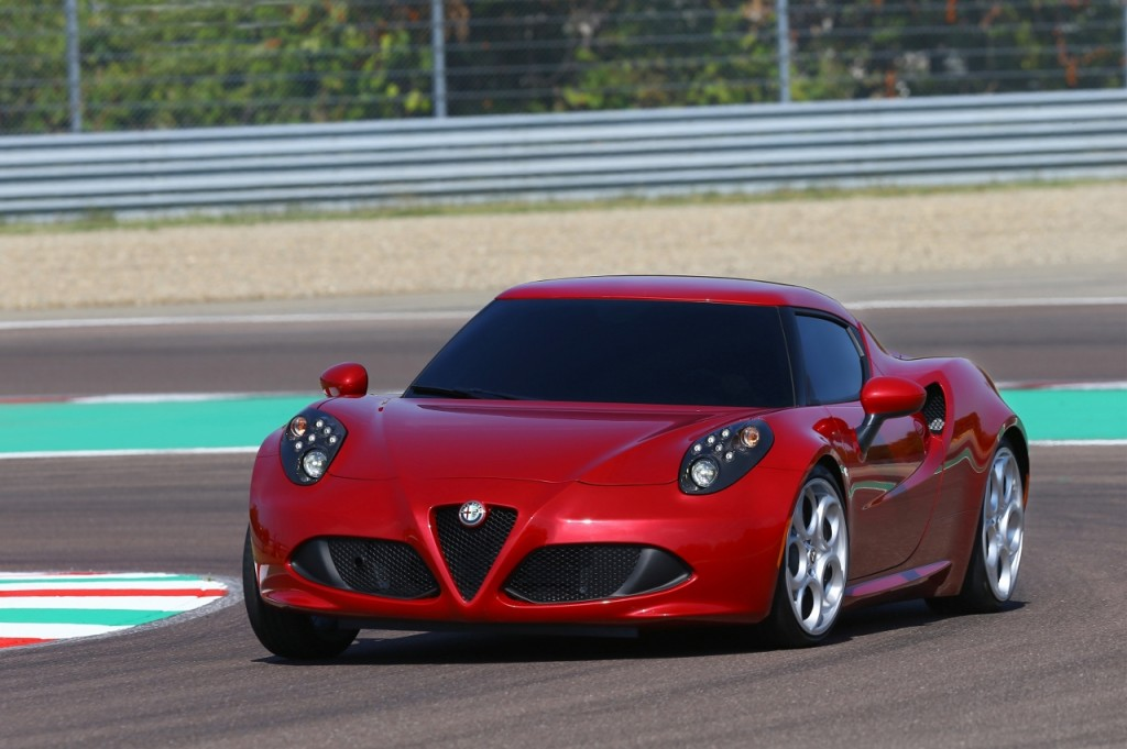 Alfa Romeo 4C UK  2014 Red cornering track speed (1280x852)