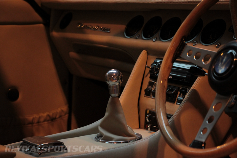 Lancaster Insurance Classic Car Show NEC (116 of 250) Maserati 4700 interior detail