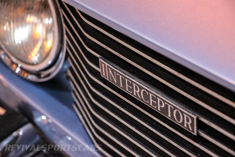 Lancaster Insurance Classic Car Show NEC (169 of 250) Jensen Interceptor groll closeup lights