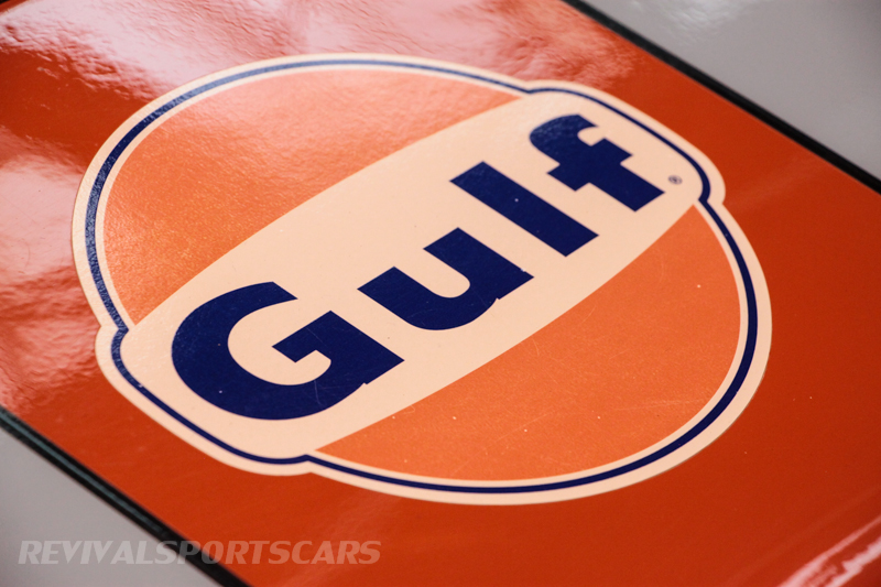 Lancaster Insurance Classic Car Show NEC (77 of 250) Ford GT40 Gulf colours front badge