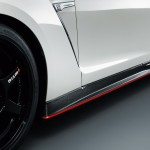 Nissan GTR Nismo Edition 2014 White side apron red detail